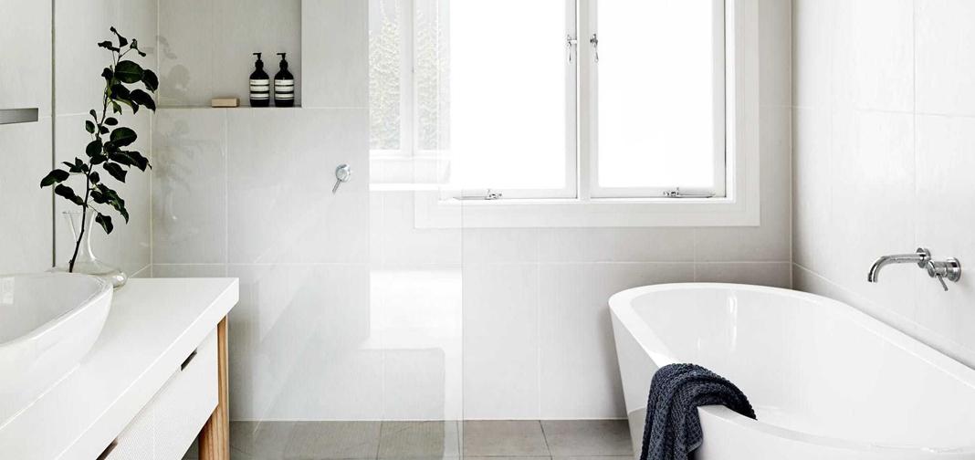 10 ideas para pintar tu baño y que se vea más espacioso